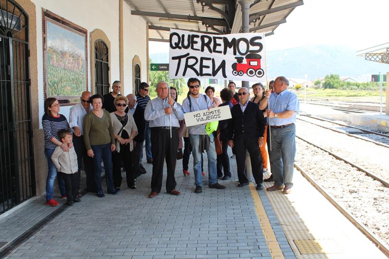 En Moreda esperando al Tren Protesta de Linares 26-05-13